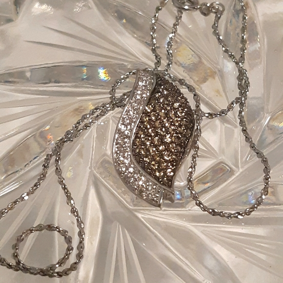 """Swarovski Crystal's Necklace 925 Pendant, 18K Gold Plated Chain 16.5"""" L Silver T"""